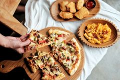 Erhalten Sie Ihre Pizza stockbild