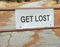 Erhalten Sie verlorenes Verkehrsschild lizenzfreies stockbild