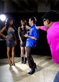 Erhalten zurückgewiesen durch Mädchen am Nachtklub stockbild