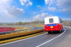 Erholung-Fahrzeug auf der Datenbahn stockfotos