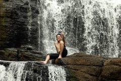 Erholung am Wasserfall Stockbilder