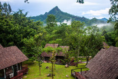 Erholungsort nahe Pong Duet-Geysir Lizenzfreie Stockfotos