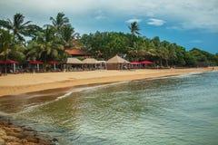 Erholungsort setzt Sanur auf den Strand Stockfotos