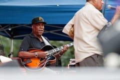 Eric Johnson, guitarrista com Lou Donaldson em Charlie Parker Jazz Festival em Manhattan, 2017 Fotos de Stock Royalty Free