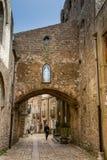 Erice Trapani, Sicilien, Italien - sikt av gatan Arkivbild