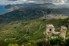 Erice, Trapani, Sicilien, Italien - Torretta Pepoli och panorama- VI Fotografering för Bildbyråer