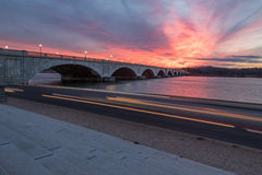 Erinnerungsbrücken-Sonnenuntergang Stockfoto