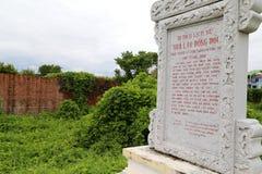 Erinnerungsbrett innerhalb Dong Hoi-Zitadelle, Quang Binh, Vietnam Lizenzfreie Stockfotografie