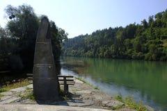 Erinnerungsengagiertes, zum auf die Drau-Fluss in Lavamund, Kärnten Österreich zu überschwemmen stockfoto