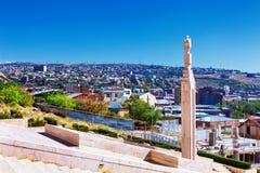 Eriwan, Armenien - 26. September 2016: Eine Ansicht von Eriwan vom Kaskadenkomplex am sonnigen Tag Lizenzfreies Stockfoto