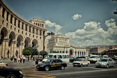 Eriwan-Stadt, Sommer Kirchenarchitekturklosterkultur-Tempelkathedrale Armeniens in der alten lizenzfreies stockfoto