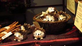 Erizos decorativos de la Navidad Imágenes de archivo libres de regalías