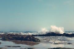 Erklimmende Wellen Lizenzfreie Stockbilder