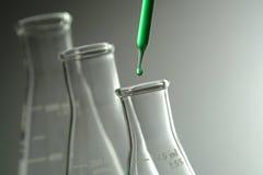 erlenmeyer flasks lab research science Стоковые Фотографии RF