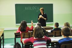 Erlernen Sie Biologie in der Schule lizenzfreies stockbild