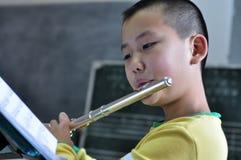 Erlernen Sie die Flöte Lizenzfreies Stockbild