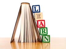 Erlernen Sie zu lesen Lizenzfreie Stockbilder