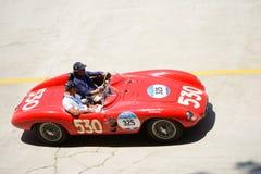 Ermini Tipo 357 sport 1955 Scaglietti 1500 på Mille Miglia Arkivbilder