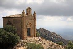 Ermita de Joan del santo en Montserrat Mountain, España Abadía benedictina Santa Maria de Montserrat en Monistrol de Montserrat Foto de archivo libre de regalías