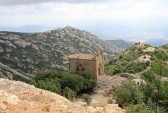 Ermita de Joan del santo en Montserrat Mountain, España Abadía benedictina Santa Maria de Montserrat en Monistrol de Montserrat Imagen de archivo