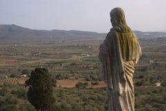 Ermita de la Piedad (Ulldecona - Tarragone), où la région du serralada de La soit vue dans le  de MontsiÄ (Catalogne - Espagne) image stock