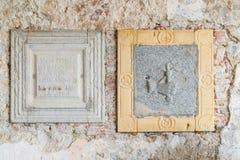 Ermita del siglo de Santa Caterina del Sasso XIII en el lago Maggiore, Italia Imágenes de archivo libres de regalías