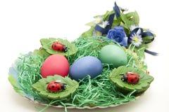Ernest do leste com ovos coloridos Foto de Stock Royalty Free