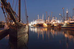Ernestina和捕鱼船 免版税库存图片