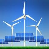 Erneuerbare Energie - Sonnenkollektoren und Wind-Leistung Lizenzfreies Stockfoto