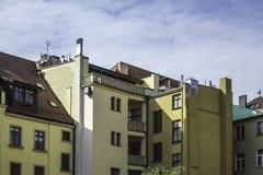 Erneuertes altes Haus Ansicht zur Fassade des Hauses vom Yard Stockfoto