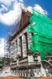 Erneuerung der alten buddhistischen Kirche Stockbilder