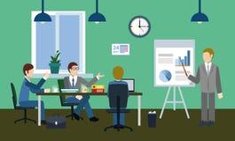 Ernste Diskussion im Büro Lizenzfreies Stockfoto