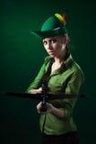 Ernste Frau mit Crossbow Lizenzfreie Stockfotos
