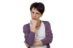 Ernste Frau mit dem kurzen Haar Lizenzfreies Stockbild