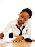 Ernste junge Geschäftsfrau Lizenzfreie Stockfotos