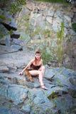 Ernstig Amazonië op de rotsen Royalty-vrije Stock Afbeelding