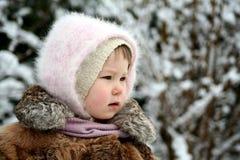 Ernstig sneeuw-meisje stock fotografie