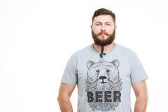 Ernstige aantrekkelijke mens met kleine vlecht op zijn baard Royalty-vrije Stock Afbeelding