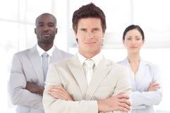 Ernstige Bedrijfsleider voor team Stock Afbeeldingen