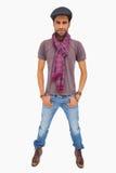 Ernstige mens een hoogtepunt bereikt GLB dragen en sjaal die camera bekijken stock afbeelding
