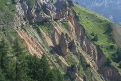 Erosão do solo perto de Ferrere, 1.869 m, na municipalidade de Argentera, cumes marítimos (28 de julho de 2013) Foto de Stock