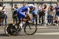 Eros Capecchi konkurenta stojaki na następach przy Giro 2017, Mediolan Obrazy Royalty Free