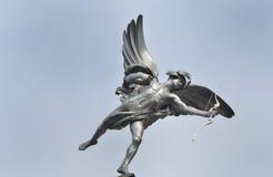 Eros statua z niebieskim niebem fotografia royalty free