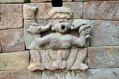 Erotisk hinduisk skulptur på Java, Indonesien Royaltyfria Bilder