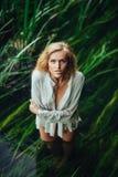 Erotyczna dziewczyna w bieliźnie Zdjęcia Stock