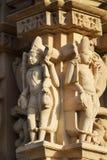 Erotyk rzeźbi przy Vishvanatha świątynią przy Zachodnimi świątyniami Khajuraho w Madhya Pradesh, India zdjęcie royalty free