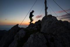 Erreichen des Gipfels stockfotografie