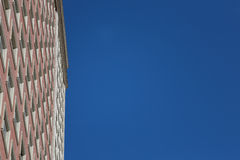 Errichten über blauem Himmel Stockbilder