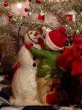 Errichten einer Schneemannstatue Lizenzfreie Stockfotografie