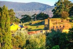 Errichtende Ruinen am Port Arthur, Tasmanien, das einmal ein Strafs war stockfoto